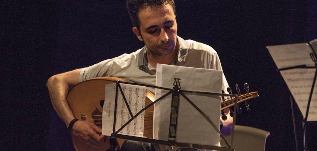 Maher Mahmoud spillede på Global med The Syrian National Ensemble den 3. juni 2016. Fotograf: Arthur J. Cammelbeeck