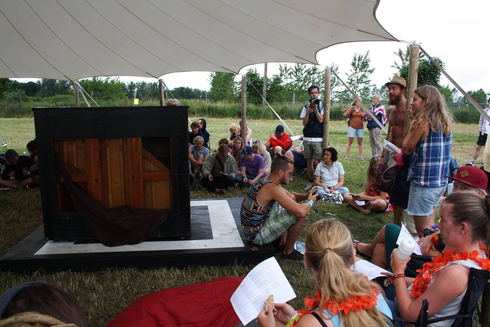 Settle'N'Share på Roskilde Festival: Er rammesatte campingfællesskaber virkelig lykken?