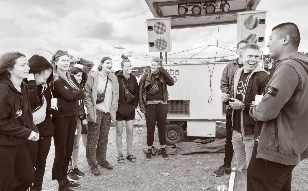 """""""Du er bedre end en kebab"""" – med SIND Ungdom på Roskilde Festival"""